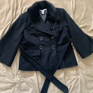 BLACK WITH FUR COLLAR BUTTON COAT